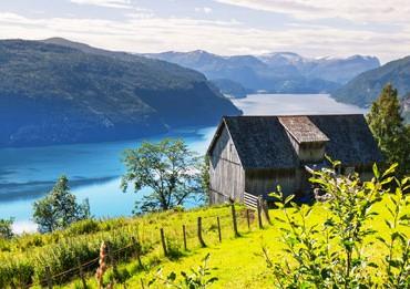 paisaje fiordos noruegos