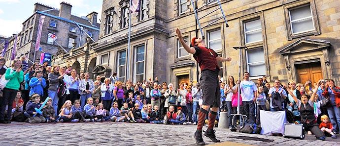 Fringe, Escocia