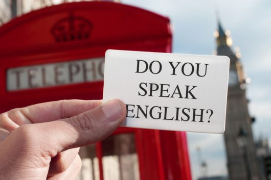 voyager sans savoir parler anglais