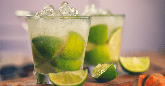 make a Caipirinha to travel without leaving your house