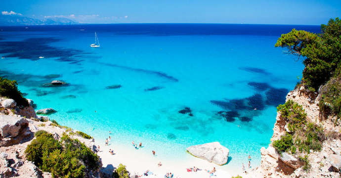 travel to siciliy or sardinia