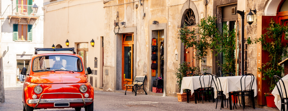 when is the best time to travel to Italy?