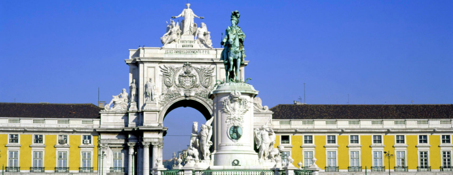 when is the best time to travel to Portugal?