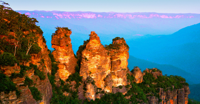 Most beautiful mountains in the world: Three Sisters