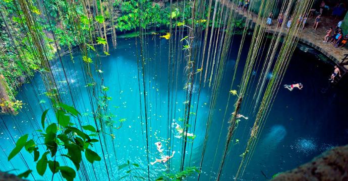 Cenote Ik Kil - Mexico