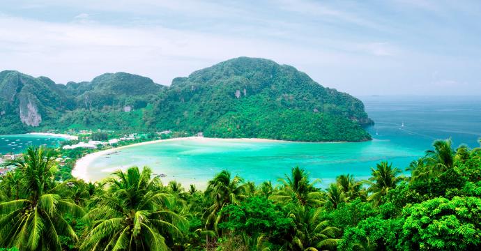 best swimming spots in Thailand: Phi Phi Islands