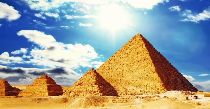 Great Pyramids: 7 wonders of the ancient world