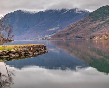 The-Norwegian-Fjords-Feel-the-Norwegian-nature-800x360