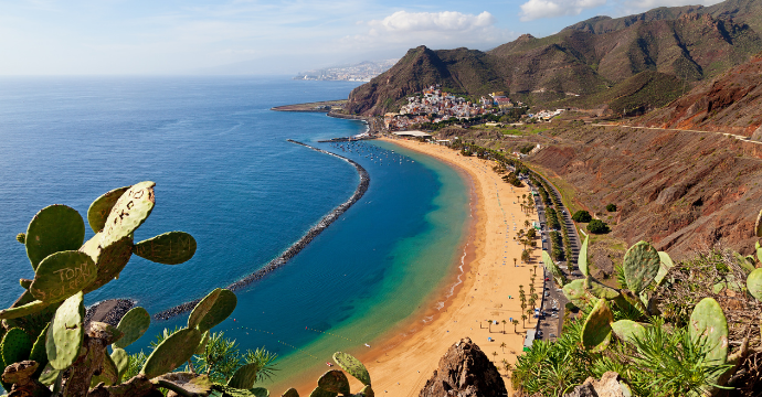 travel to the Canary Islands